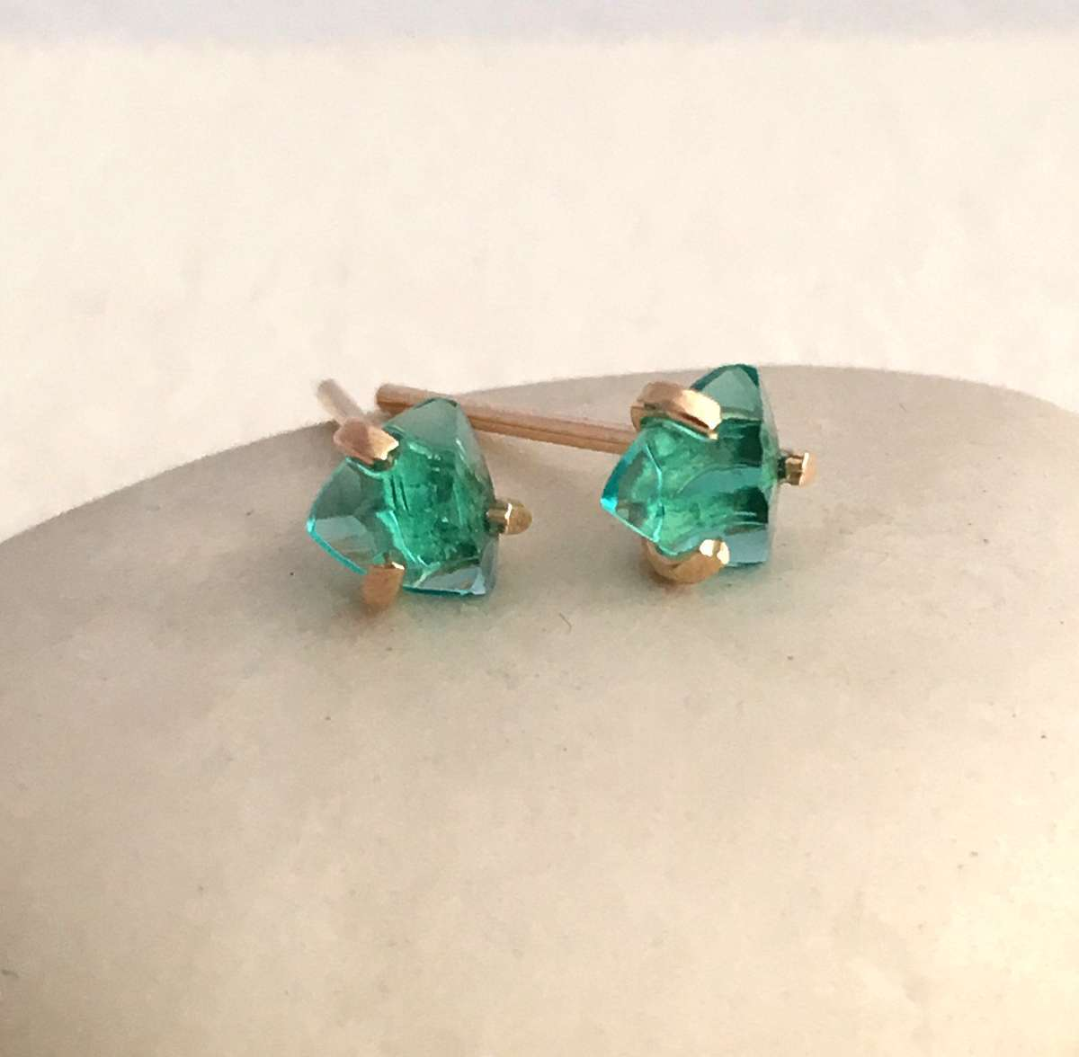 earrings eve emerald silver cubic stud sterling s zirconia green